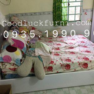 Giường ngủ tân cổ điển